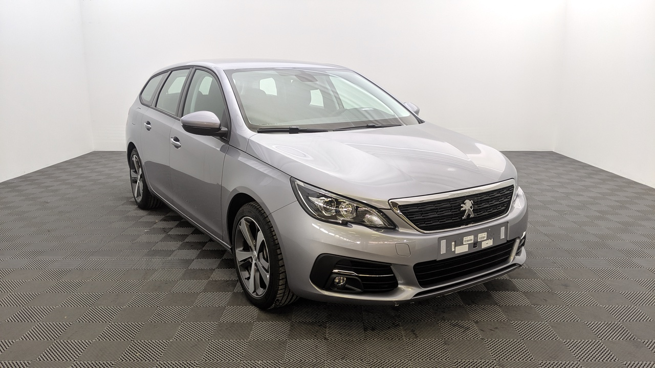 Photo PEUGEOT 308 SW 1.2 PURETECH 130CV ACTIVE + NAVI + JANTES 17