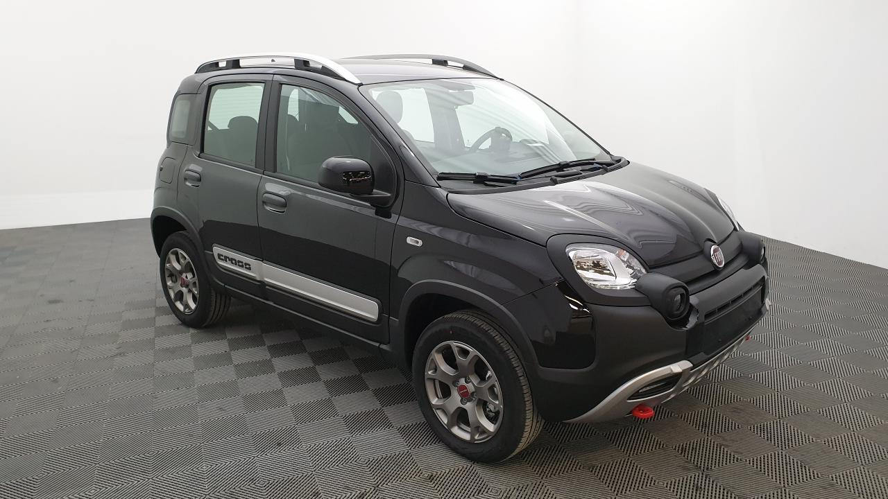 Photo FIAT PANDA 0.9 85 CV TWINAIR 4X4 CROSS + JANTES ALLIAGE 15