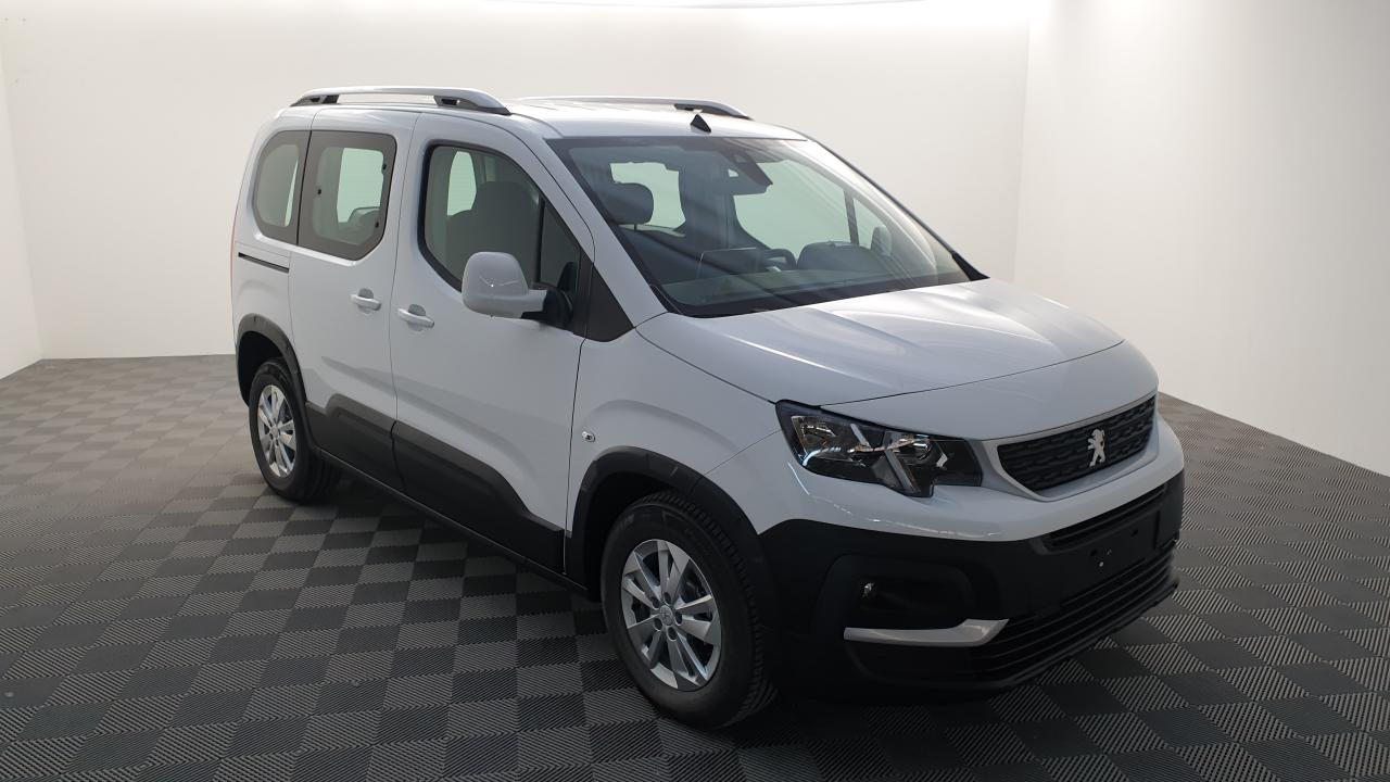 Photo PEUGEOT RIFTER 1.5 BLUEHDI 100CV BVM5 ACTIVE SUREQUIPES